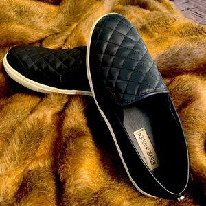Steve Madden Quilted Softey Black slip on Sneaker